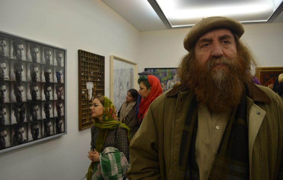دکتر محیط طباطبایی در نمایشگاه